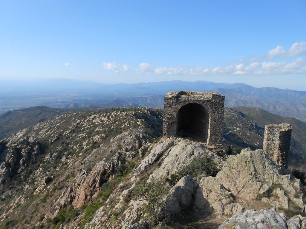 pozostałości po jednej z wież obronnych