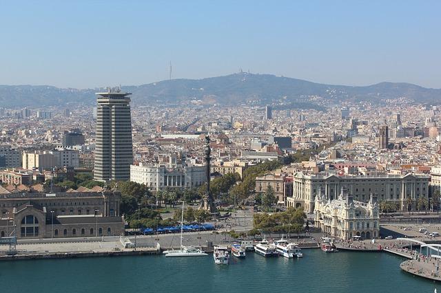 barcelona 984035 640
